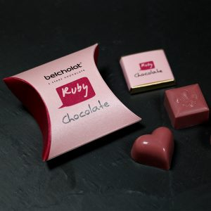 RUBY CHOCOLATE TURNDOWN